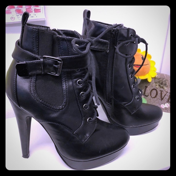 Guess Shoes - Super cool lace up booties!